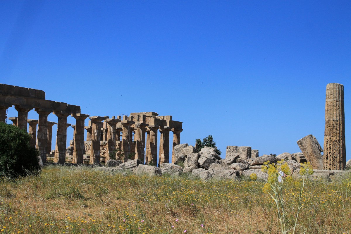 self guided hiking in sicily